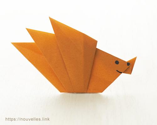 ダイソーの折り紙ブック③ いきものおりがみ ハリネズミ