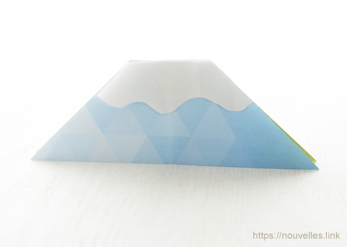 ダイソーの折り紙ブック① はじめてのおりがみ 富士山