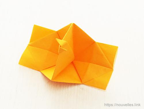 ダイソーの折り紙ブック⑥ おもちゃおりがみ ぱっちんカメラ