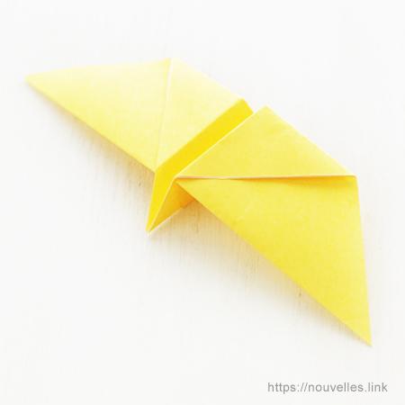 ダイソーの折り紙ブック② かんたんおりがみ くるくるちょうちょ