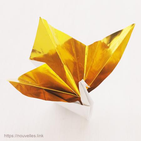 ダイソーの折り紙ブック5 きせつのおりがみ 祝鶴