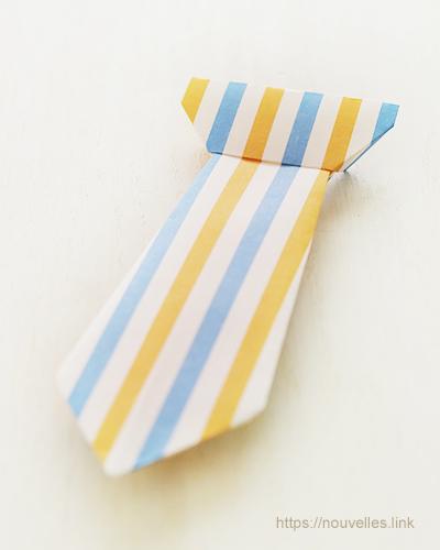 ダイソーの折り紙ブック5 きせつのおりがみ 父の日のネクタイ