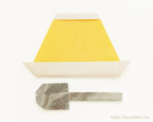 ダイソーの折り紙ブック④ たべものおりがみ プリンとスプーン