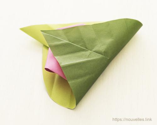 ダイソーの折り紙ブック④ たべものおりがみ 指人形 桜餅