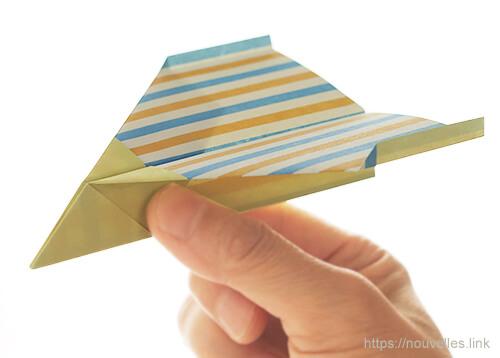 ダイソーの折り紙の本 おりがみブック⑦ おりがみひこうき カモメ飛行機